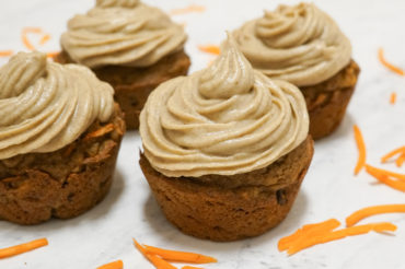 """Baking Without Sugar: Carrot Cake Cupcakes With Vegan """"Cream Cheese"""" Frosting"""