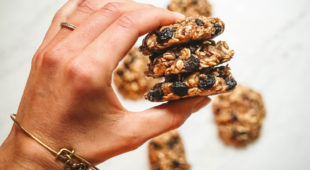 Baking Without Sugar: You Could Be Eating Oatmeal Cookies In 15 Minutes