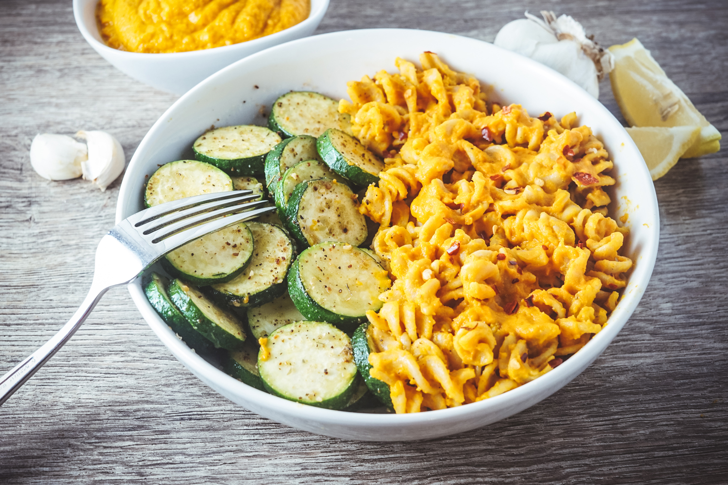 Vegan mac cheese with lightly sauted zucchini nutritional yeast vegan mac cheese with lightly sauted zucchini nutritional yeast free forumfinder Images