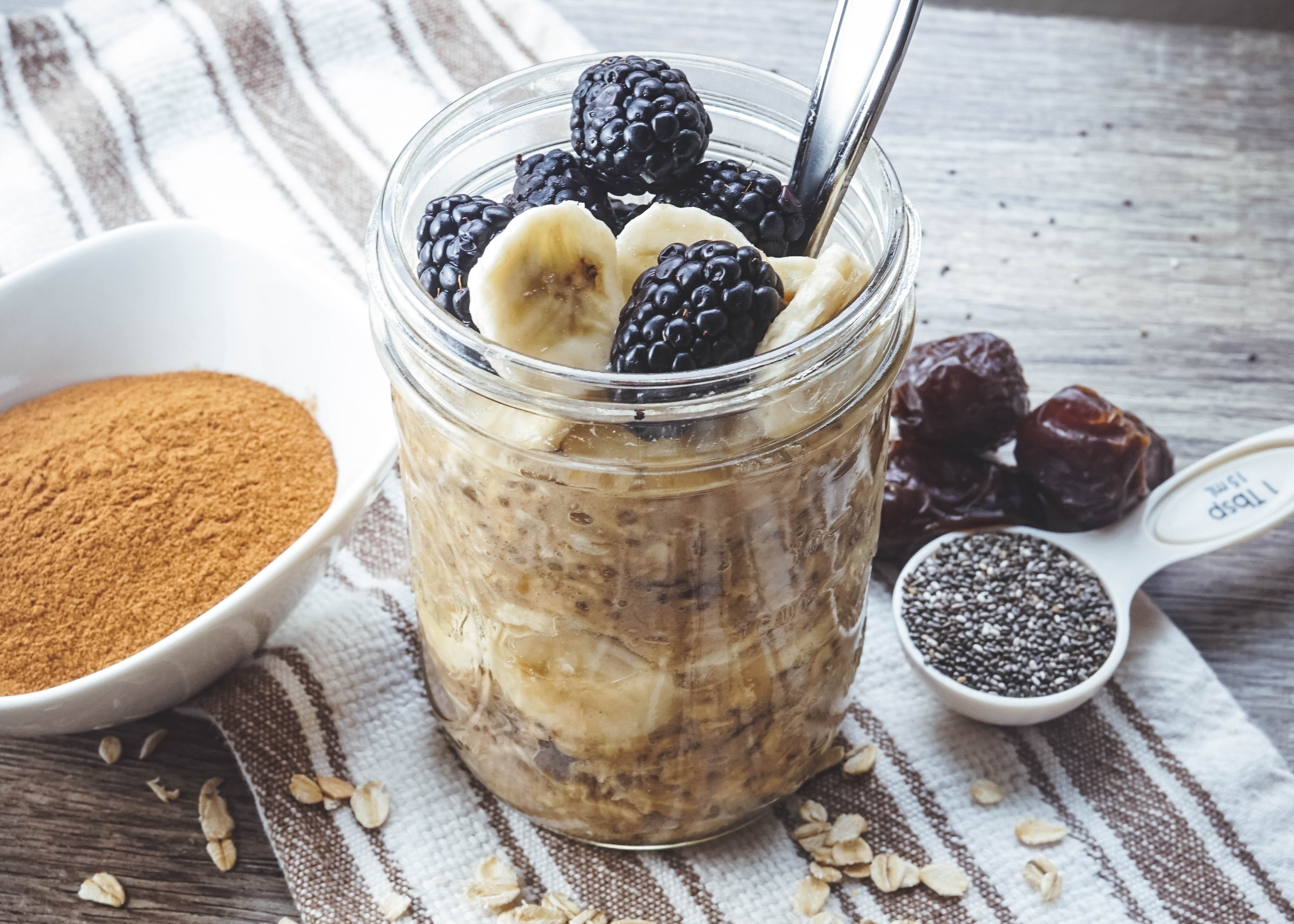 cinnamon sweet overnight oats dairy free vegan no sugar added kalemekristie. Black Bedroom Furniture Sets. Home Design Ideas